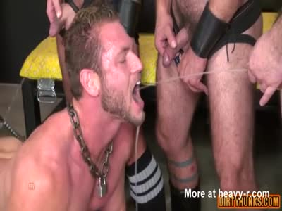 Muscle jock piss with cumshot