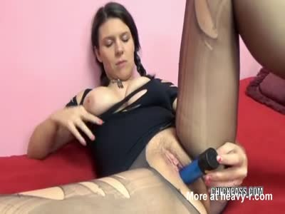 Teen Ripping Pantyhose To Fuck cunt