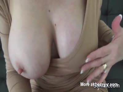 Adulterous english milf lady sonia reveals her large boobs
