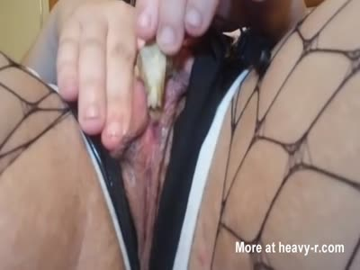 Putting Rodent Skull In Pussy