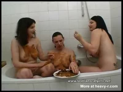 Scat In The Tub